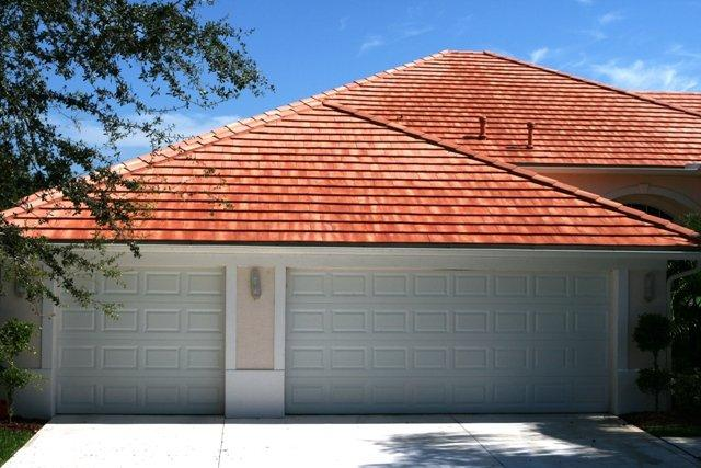 What to Look for in a Pressure Washing Service in Melbourne,  FL